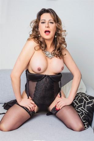 trans-alexia-santos-big-19